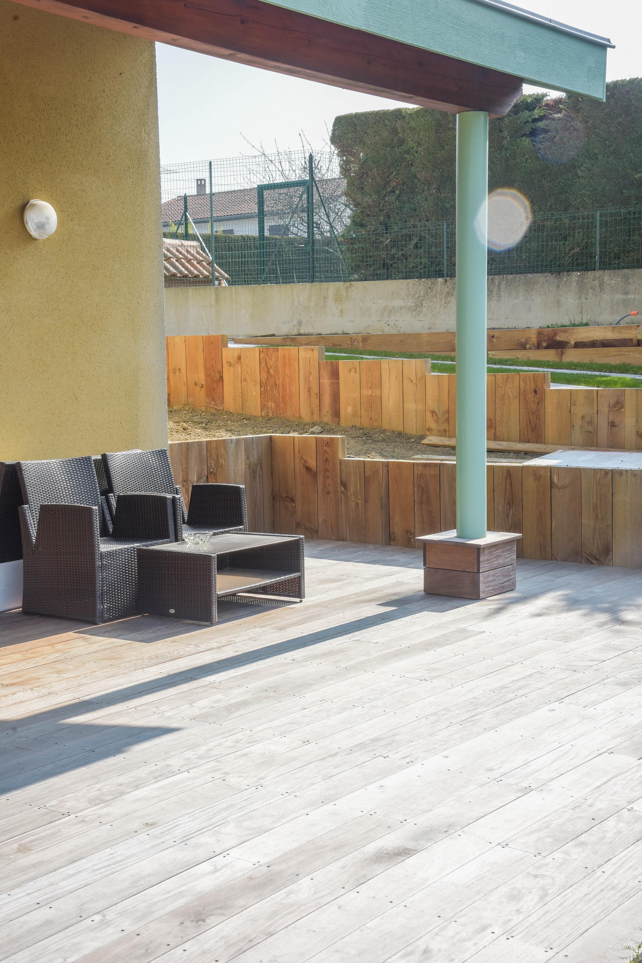 périphérie de Lyon maison terrasse