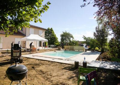 Création d'une terrasse et d'une plage de piscine – BRIGNAIS (Août 2018)